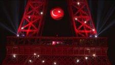 Eyfel Kulesi yine Kırmızı Beyaz!