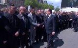 Polis Memuru'nun Cumhurbaşkanı ve Başbakanın Elini Sıkmaması