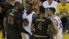 LeBron, Curry'i blokladı ve bakışını attı...