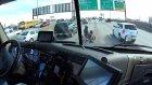 Tır Şoförü Motoru Arızalanan Adama Yolu Aracıyla Keserek Yardım Etti