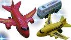 Oyuncak Uçak Ve Oyuncak Arabalar ve Yolcu Otobüsü