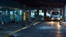 Atatürk Havalimanı'ndaki Patlamanın Şiddeti Gün Ağarınca Ortaya Çıktı