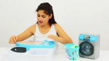 Ayşe, Pepee Ve Oyuncak Çamaşır Makinesi. Çamaşır Yıkama Ve Ütüleme Oyunu