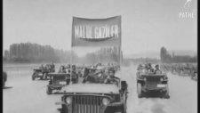 Kore Savaşı için Düzenlenen Geçit Töreni - 1950