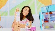 Play Doh oyun hamuru ile sandviç yapımı. Barbie oyunları
