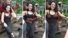 Kadın Turistin Memelerini Elleyen Çapkın Orangutan