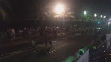 Fransa Nice'te Kamyon Kalabalığın İçine Daldı; En Az 30 Ölü Var!