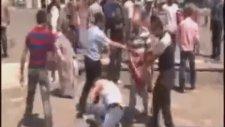 İzmir Konak Meydanı'nda Linç Girişimi
