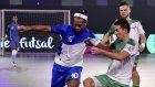 Ronaldinho Hindistan'da Coştu