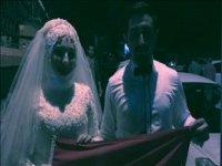Gelin ve Damadın Düğün Gecesi Demokrasi Nöbeti Tutması