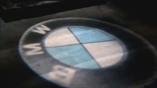 Yerde BMW Donen logo yansit uygulamasi