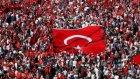 Taksim Meydanı'nda Tarihi Miting