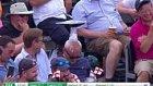 Kriket Maçında Uyuya Kalan Taraftarı Maymuna Çeviren İngiliz Taraftarları