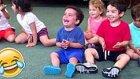Müzik Sınıfında Çılgınlar Gibi Gülen Çocuk
