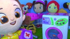 Niloya çamaşır makinesi ile elbise yıkayıp ütü yapıyor. Niloya ütü yapmadan Pepee elbise veriyor. 4K
