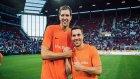 Lukas Podolski'nin Yardım Maçında Attığı Harika Gol