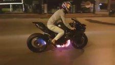Kenan Sofuoğlu'nun Motosikleti Ağlatması