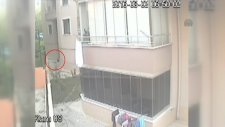 Polisten Kaçmaya Çalışırken 4'üncü Kattan Düşen İşadamı