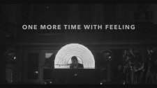 One More Time With Feeling (2016) Fragman