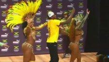 Çapkın Bolt Sambacı Kızlarla!