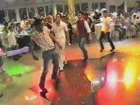 Aşırı Gerçekçi Topal Dansı