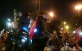 Polisin Kur'anı Kerim'i Öpünce Vatandaşın ikna Olması