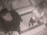 Tacizci Adamı Asansörde Tekme Tokat Döven Kadın