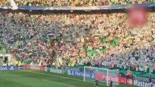 Celtic Taraftarının Hapoel Maçında Filistin Bayrağı Açması
