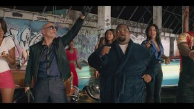 Pitbull - Ft. Flo Rida - Greenlight
