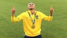 Neymar'dan Çok Özel Kutlama