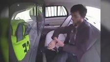 Polis Aracından Kaçmayı Başaran Şanssız Tutuklu