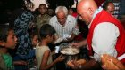 Türk Kızılayı Cerablus'ta Sivillere Sıcak Yemek Dağıttı