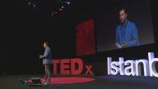 Paylaşmayı Bilmezsen Kazanamazsın - İzzet Pinto - TEDxIstanbul