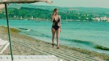 Aylin Tunç - Tatlı Kaçık (Official Video)