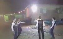 Afyon Değirmendere Köyü Yağmurlu Havada Kırık Hava Oynayan Gençler
