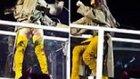 Rihanna'nın Yeşil Ve Uzun Çizmeleri