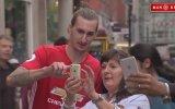 Zlatan İbrahimovic Benzerinin Manchester Taraftarını Trollemesi