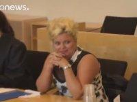 Başörtülü Kadına Hizmet Sunmayı Reddeden Norveçli Kuaför