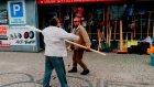 Alkolü Fazla Kaçıran Sarhoşların Komik Kavgası