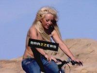 Brazzers - Kamera Arkasında Yaşanan Kazalar!