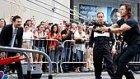 Mark Wahlberg ve Jimmy Fallon'dan Dev Sapan ile Karpuz Atma Kapışması