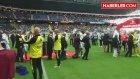 AİK'lı Futbolcular, Sahaya Yaşlılarla Çıktı