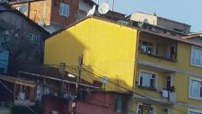 Trabzonsporlunun Ev Basıp Bayrak İndirmesi