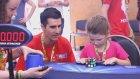Rubik Küpünü 41 Saniyede Çözen 6 Yaşındaki Harika Kız