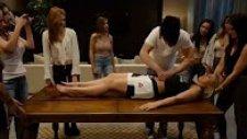 Criss Angel Paige VanZant'ı İkiye Böldü