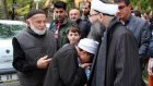 Cübbeli Ahmet Hoca'nın Elini Öpmek için Sıraya Girdiler