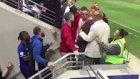 Didier Drogba, Taraftarların Üstüne Yürüdü!