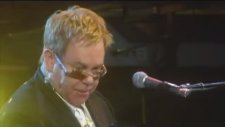 Elton John - Funeral for a Friend/Love Lies Bleeding