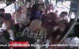 Halk Otobüsünde Bıçaklı Kavga