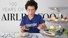 Çocuklar 100 Yıllık Hava Yolu Firmalarının Değişen Yemeklerini Test Ediyor!